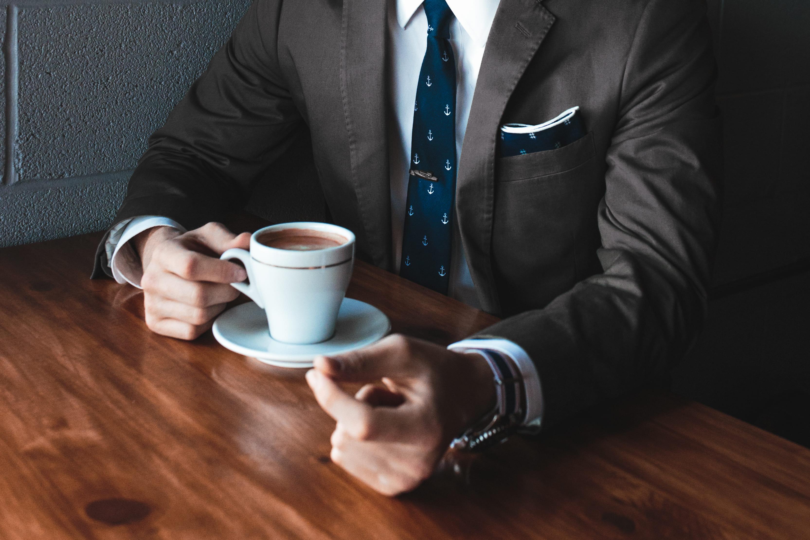 スーツ コーヒー